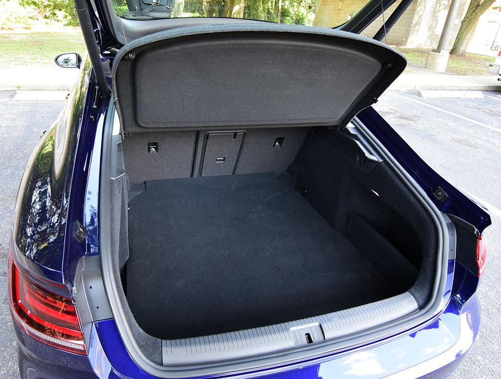 vw trunk.jpg