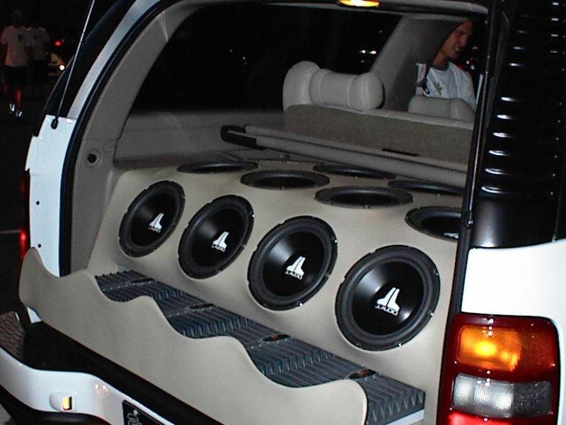 mobiles creative car audio