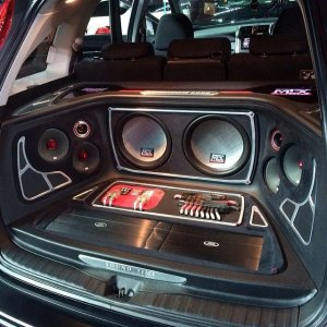 2e6762f69b616d3a6f56e7817dc5d70e--custom-car-audio-custom-cars.jpg