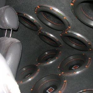 "12 10"" alphasonik subs in 1993 escort"